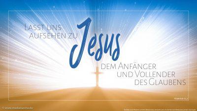 (1) Lasst uns laufen mit Geduld in dem Kampf, der uns bestimmt ist, (2) und aufsehen zu Jesus, dem Anfänger und Vollender des Glaubens, der, obwohl er hätte Freude haben können, das Kreuz erduldete und die Schande gering achtete und sich gesetzt hat zur Rechten des Thrones Gottes.