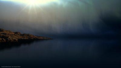 Eine Szene, wie aus einem Traum. Ein Stück von einer Felsküste und ein Meer, das scheinbar ins Unendliche reicht.