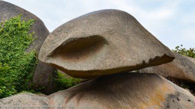 Aufeinander balancierende Felsen